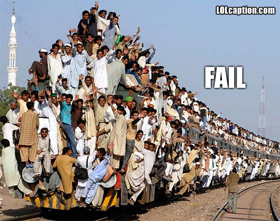 funny-fail-pics-train-overloaded-india