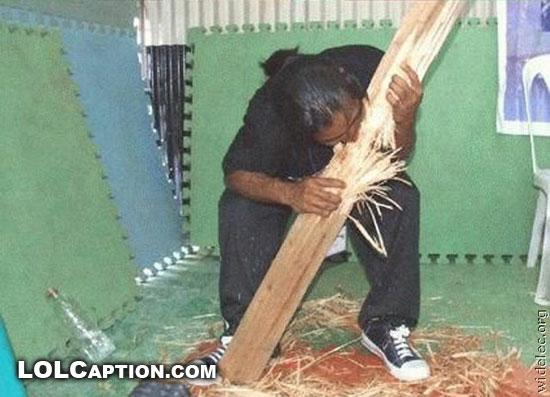 guy-eats-tree-wtf-lolcaption-fail-pics