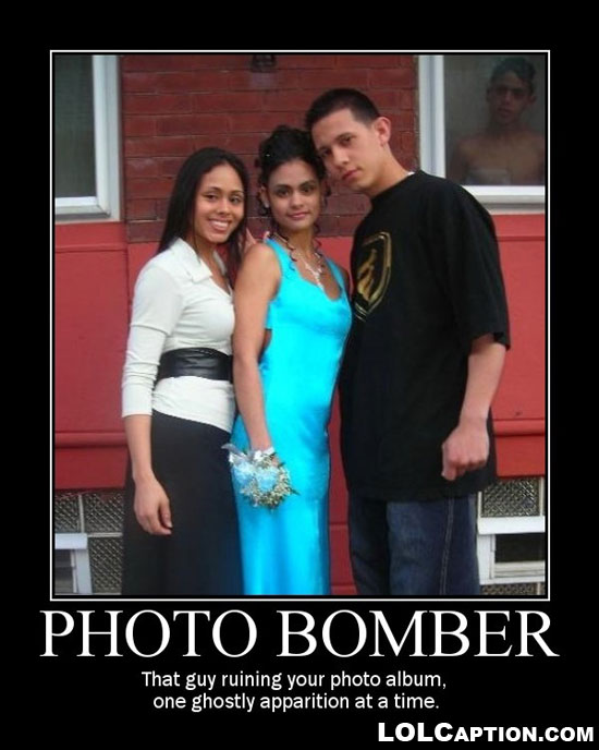 lolcaption-funny-photobomber-demotivational-poster