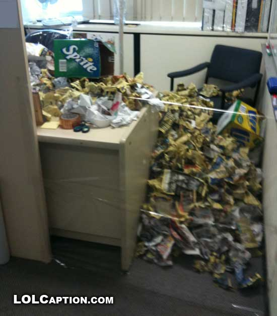 lolcaption-funny-office-pranks-jokes-desk-paper