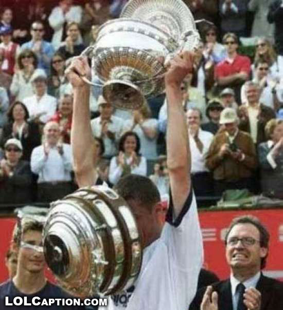 funny-moments-in-sport-photos-of-funny-sporting-misshapsdrop-trophy-tennis-lolcaption