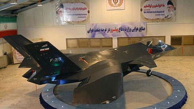 iran-stealth-bomber-epic-fails-pics-funny-photoshop-pics-fighter-jet-in-barn
