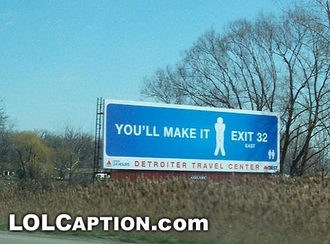 funny-pictures-toilet-youll-make-it-exit32