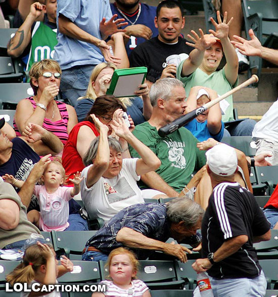 funny-moments-in-sport-photos-of-funny-sporting-misshaps-lolcaption-baseball-bat-to-the-face