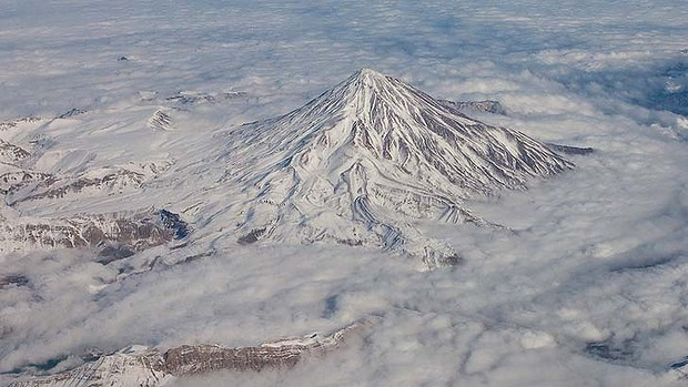 iran-jet-epic-fail-funny-photoshop-pics-mount-damavand
